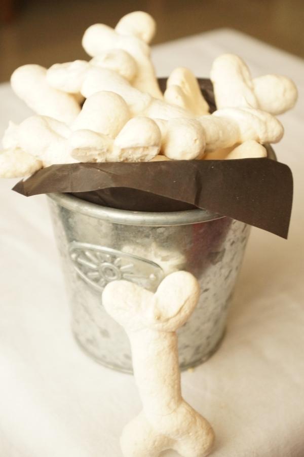 Huesitos de merengue