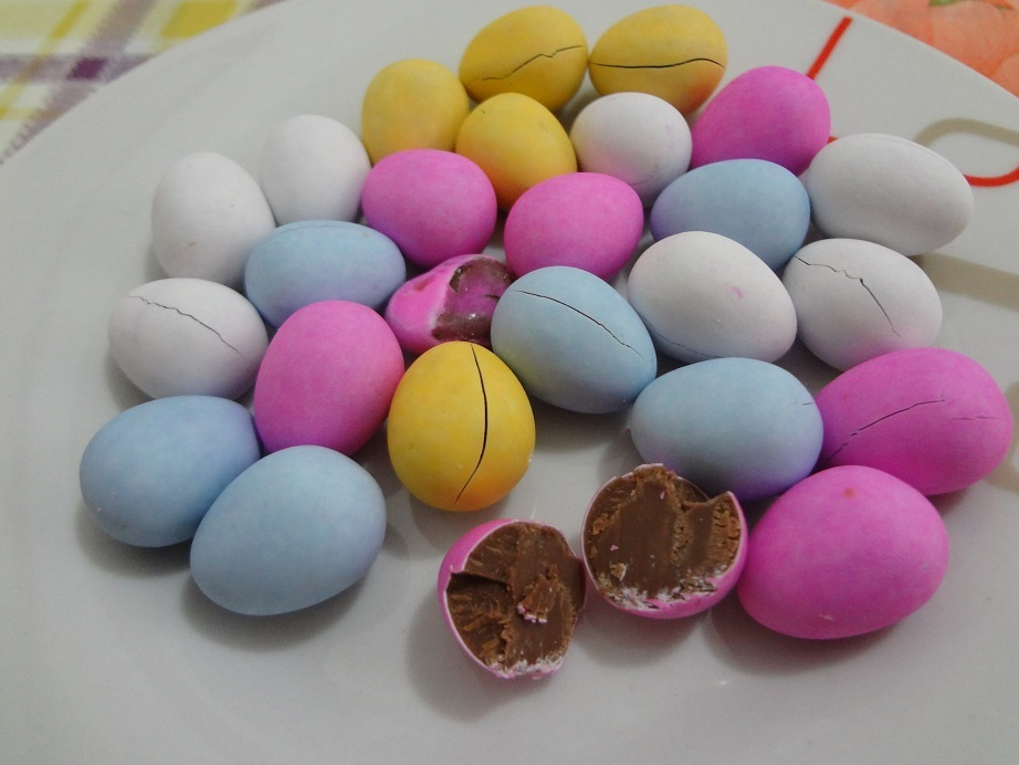 Ovinhos de Chocolate Mini Eggs – Lacta