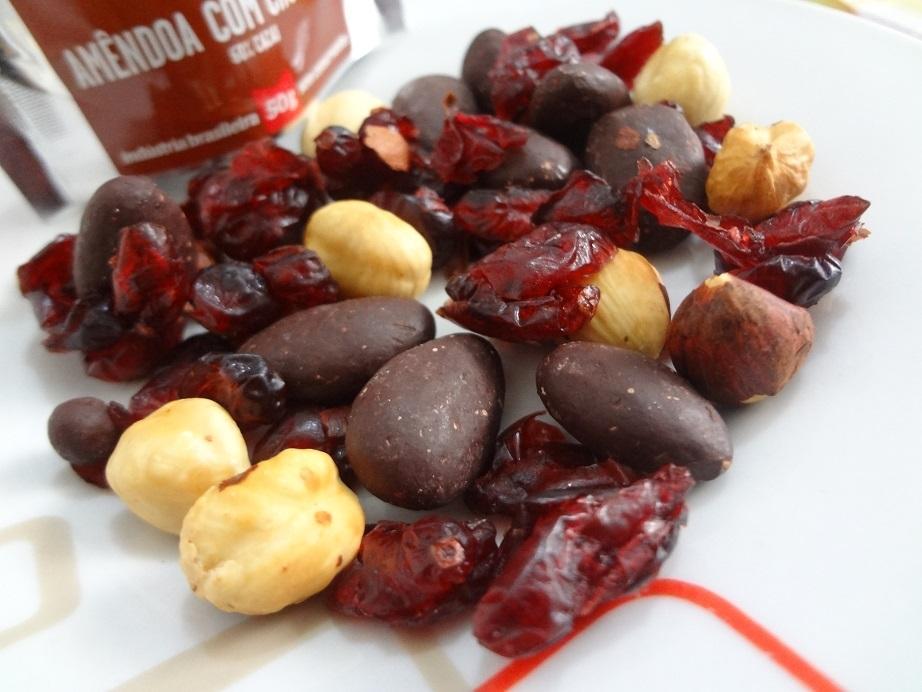 Healthy Snack Cranberry, Avelã e Amêndoa com Chocolate – Sabor & Saúde