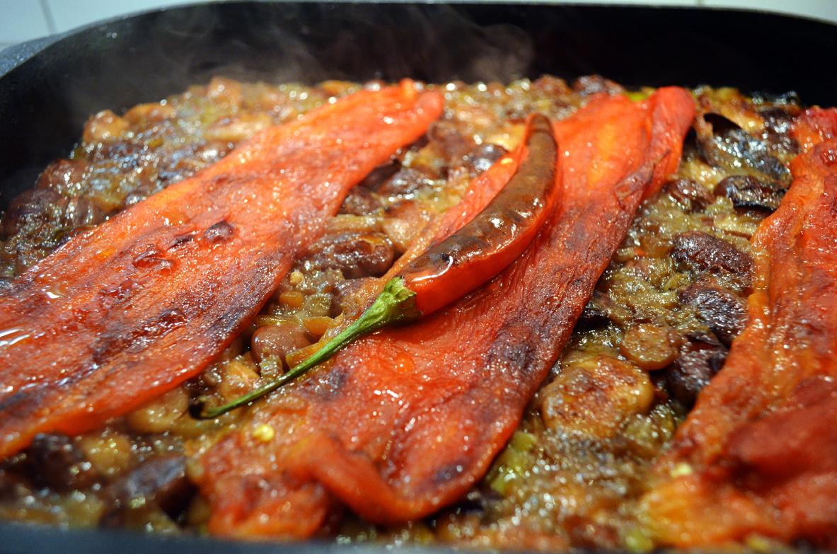Zapečeni pasulj sa grilovanim paprikama