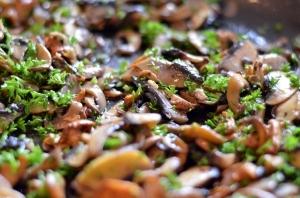Rižoto od ječma sa gljivama i peršunom