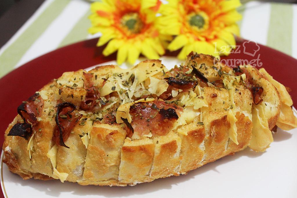 Pão Italiano Laminado com Recheio de Queijo
