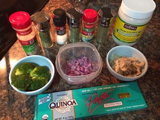 Macarrao de quinoa ao alho, ervas e óleo de côco