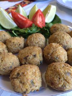 Bolinho de Bacalhau Assado com Quinoa