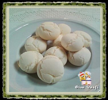Biscoito de polvilho com leite condensado