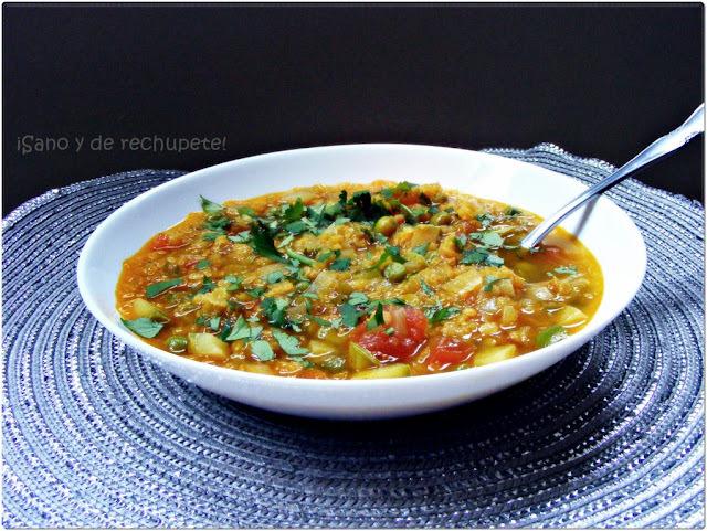 Sopa india de lentejas con vegetales