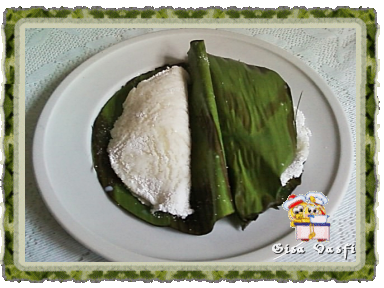tapioca de coco na folha da bananeira