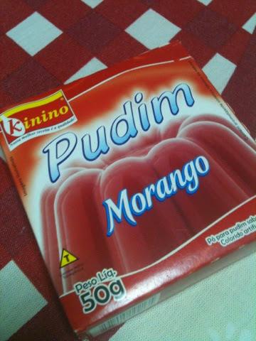 Muffins de Morango (feitos com Pudim de Caixinha)