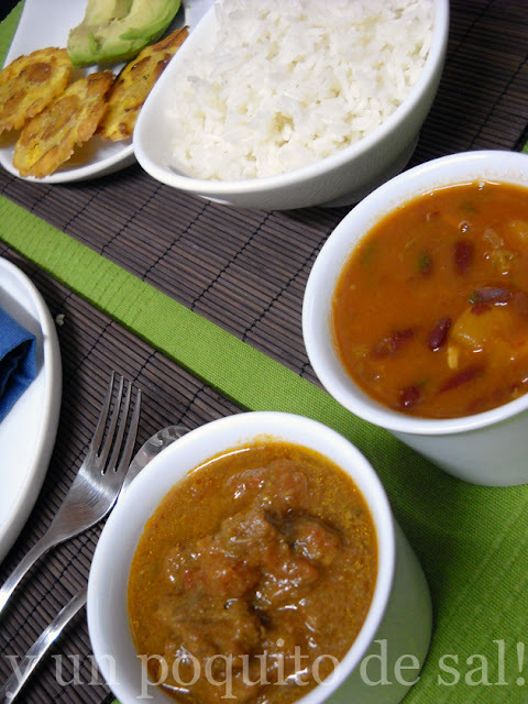 [Bandera Dominicana] arroz, habichuelas, carne guisada y alguito más...