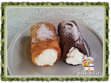 Cannolis tradicional e de chocolate