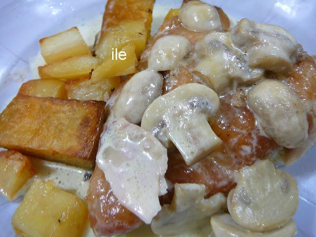 Pollo al horno con crema de champiñons