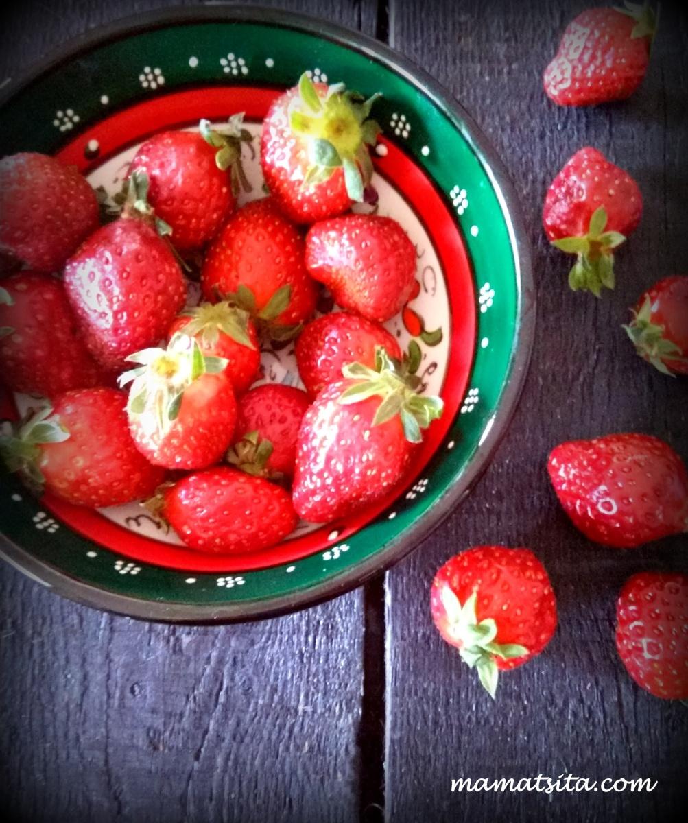 10 συνταγές για φράουλες κι ένα τραγούδι
