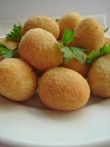 Ovos de codorna empanados