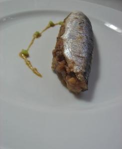 peixe sem espinho recheado com farofa e assado