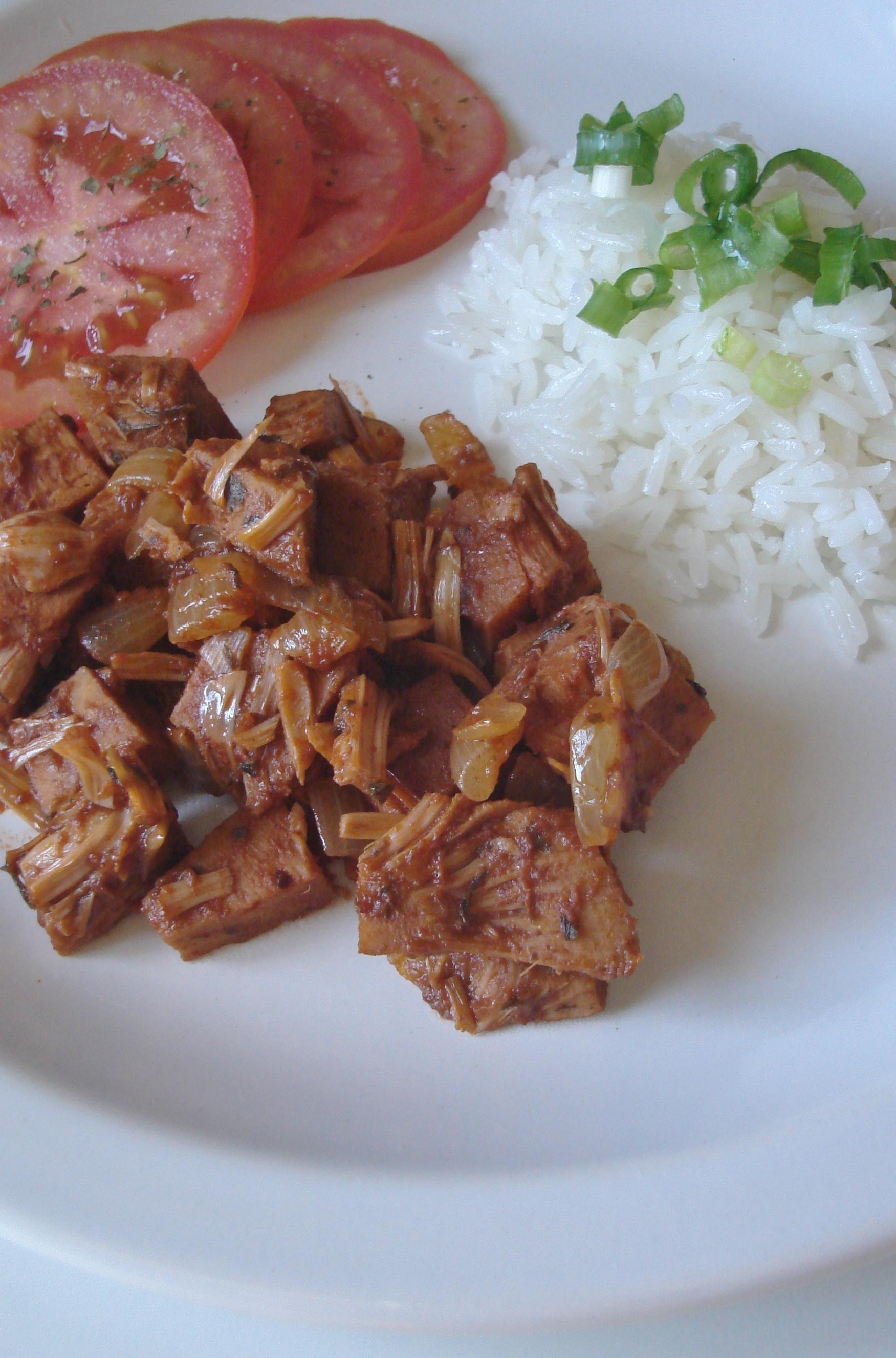 Carne de jaca ao molho barbecue