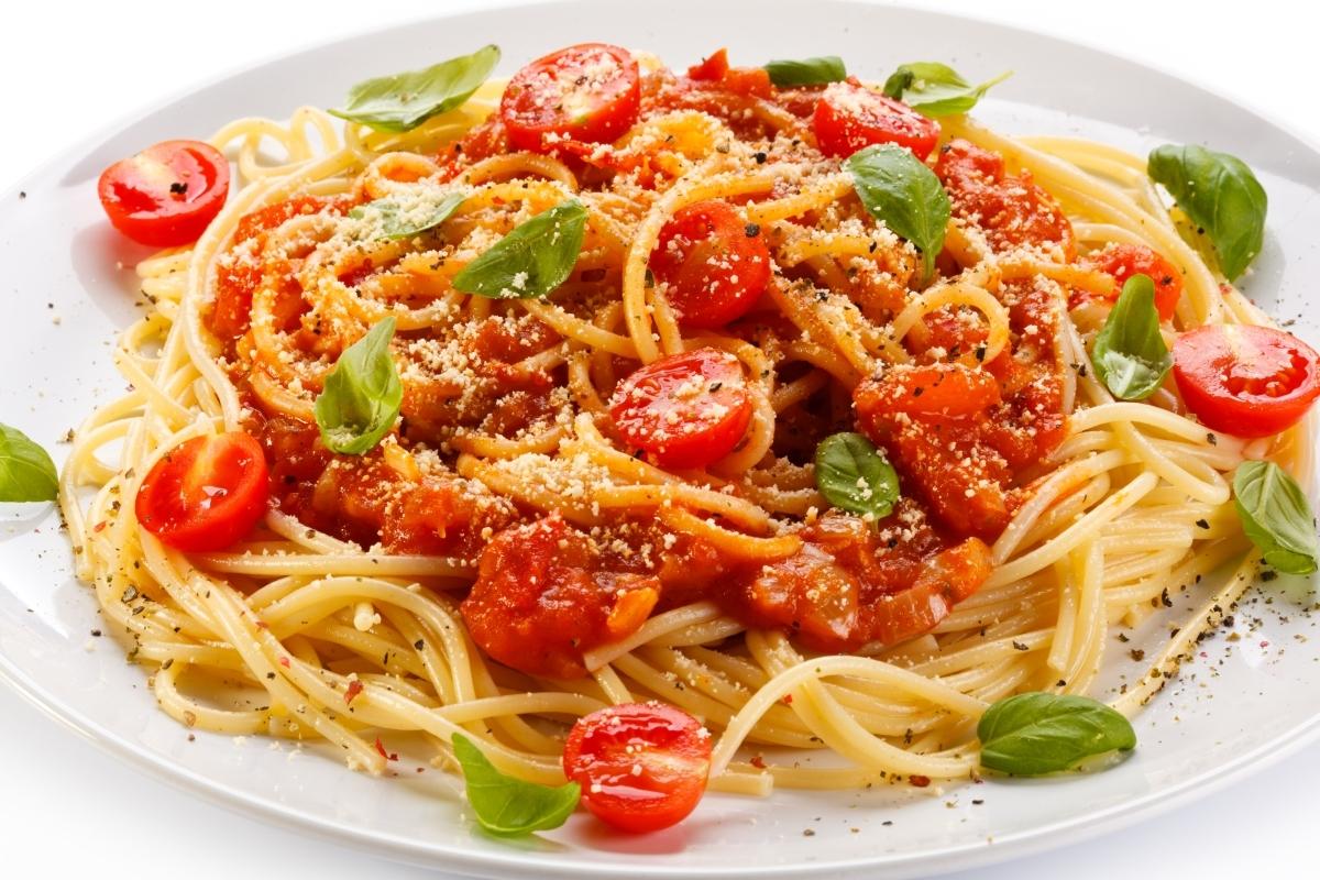Massa com tomatinhos para o dia dos namorados