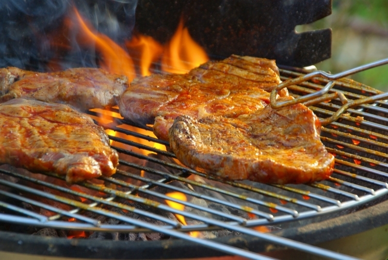 costela suína sem osso no forno ou no grill