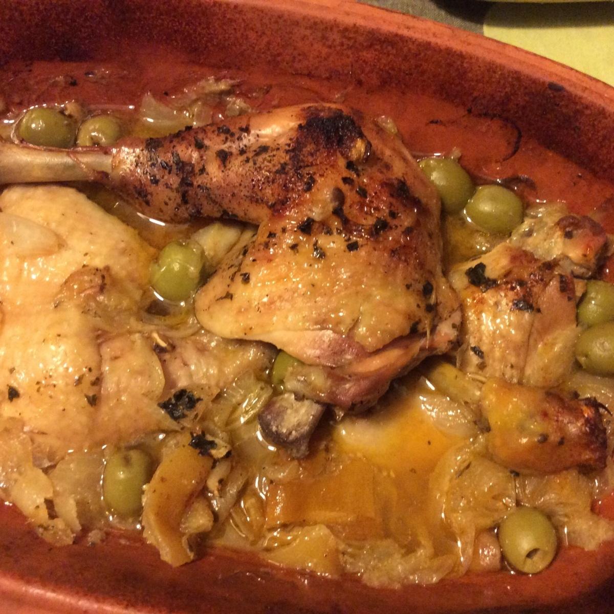 Poulet aux olives et citrons confits au Romertopf