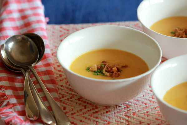 Butternut squash soup with Cumin, Chives and Crispy Onions