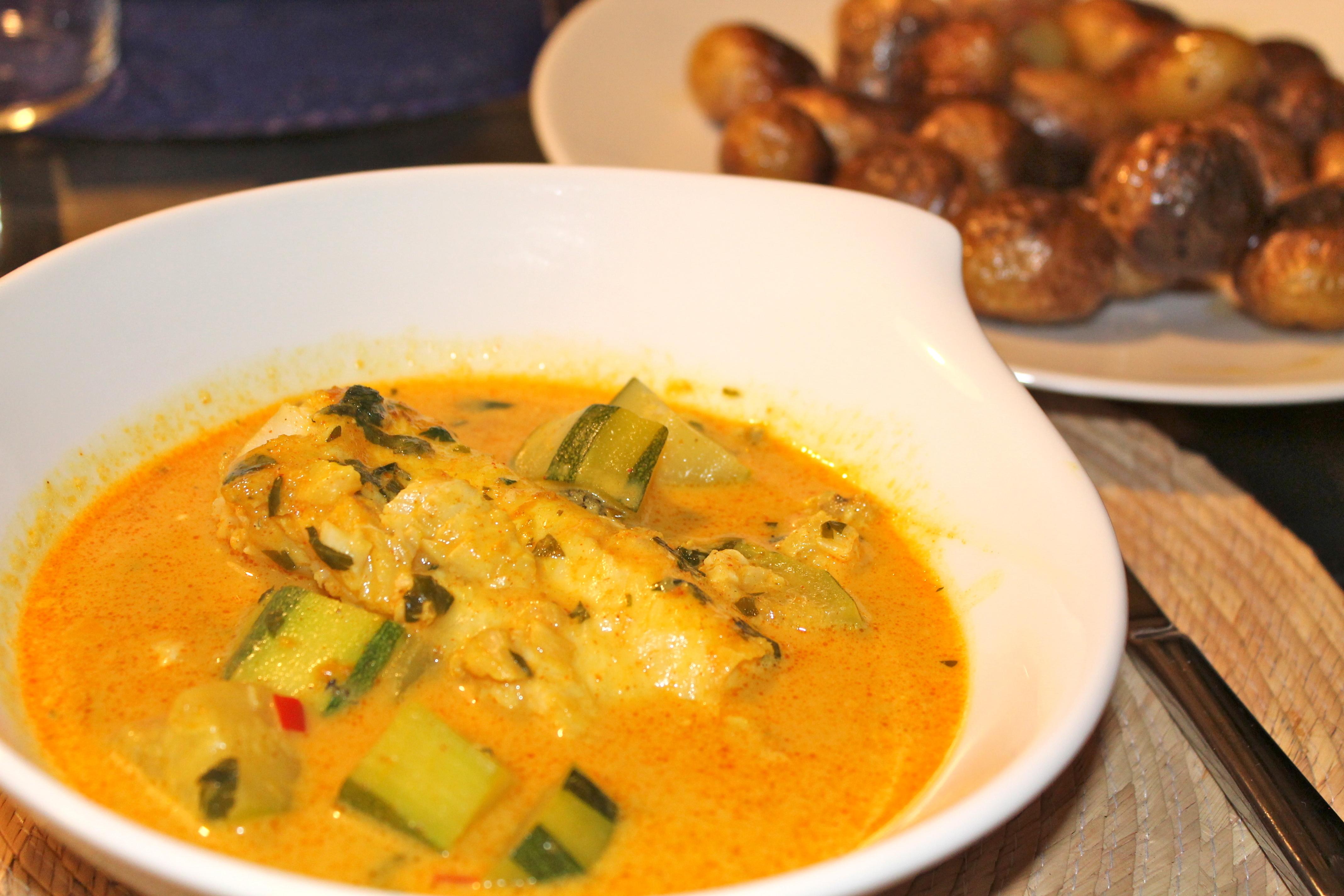 Curry de merlu et lait de coco