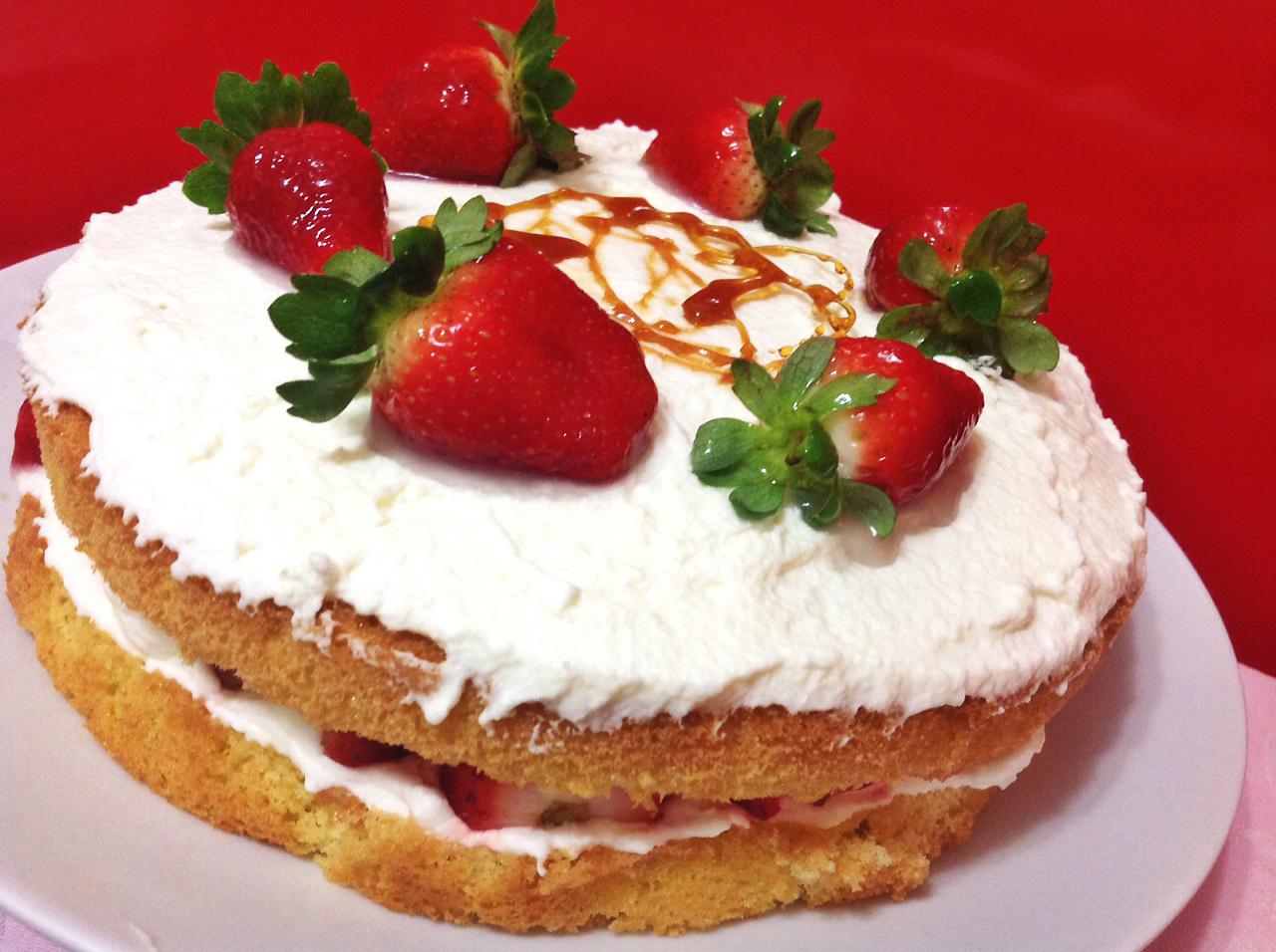 Naked Cake (morango/chantilly)