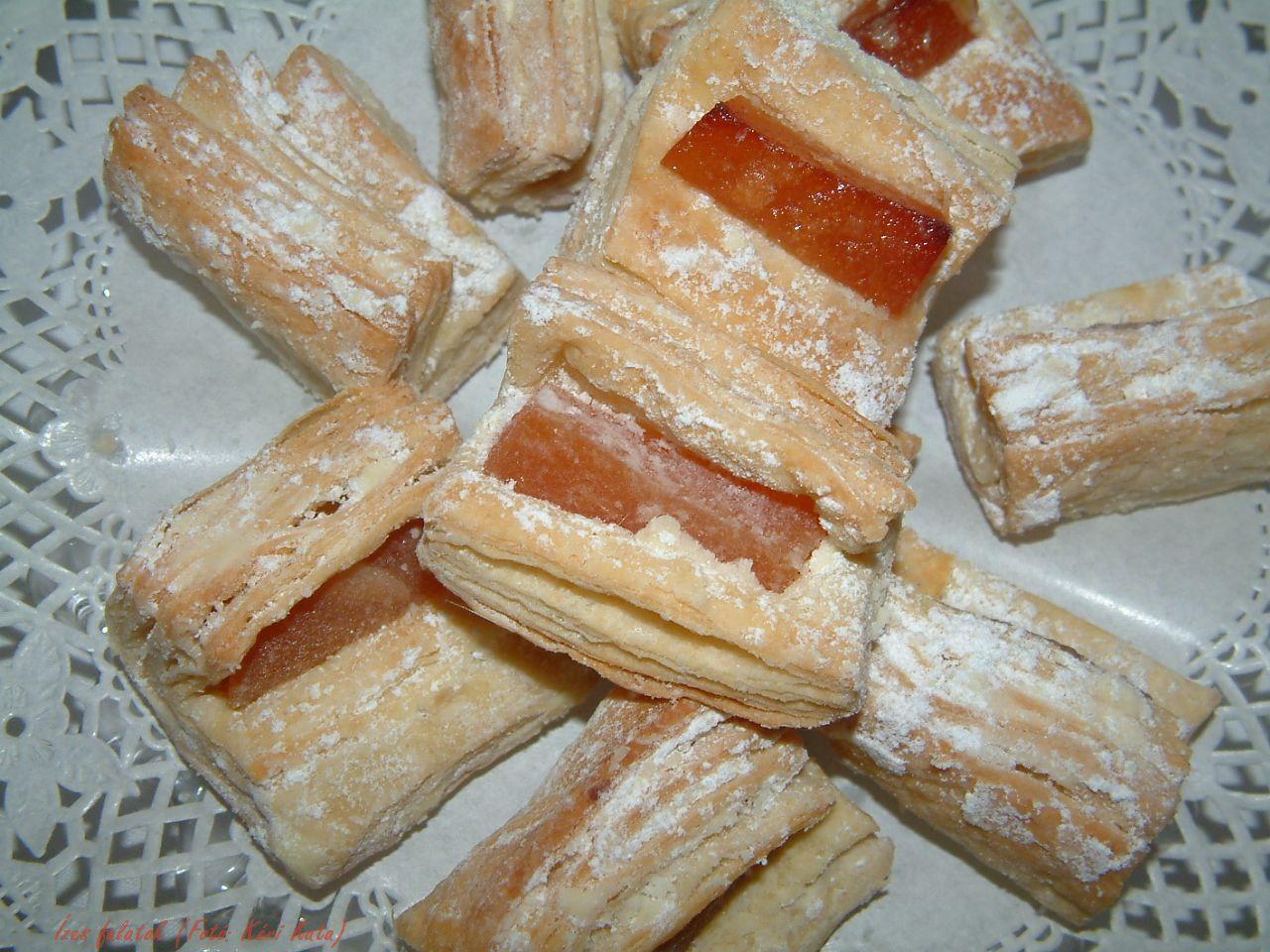 Hájas kifli (krémesnek, kiflinek)