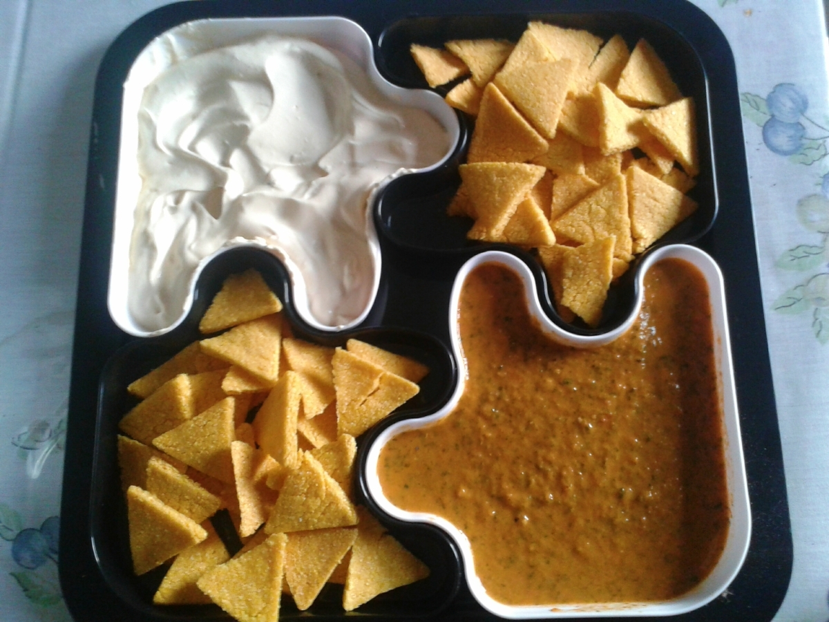 """Biscoitinho de milho """"Tipo Doritos"""" + molhinhos"""