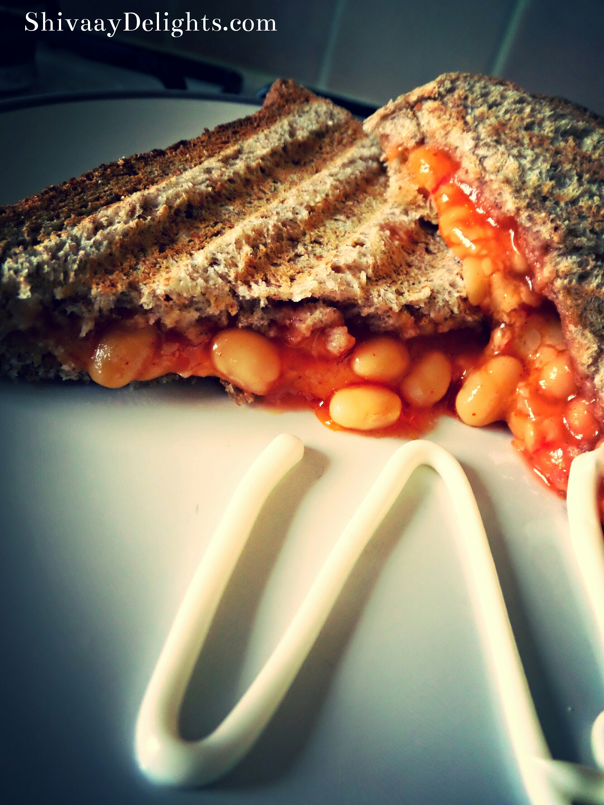 "Chilli Cheddar Cheese & Beans ""In Toast"""