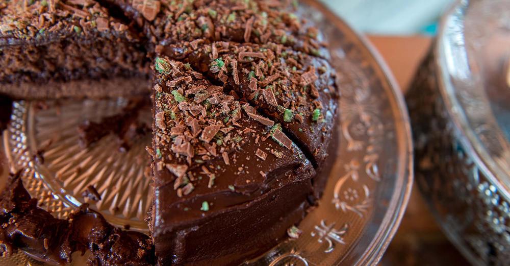 Chocolate Peppermint Crisp Sponge Cake