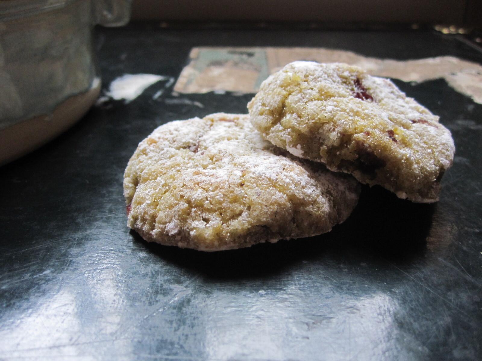 Biscuits moelleux {pistaches et griottes}