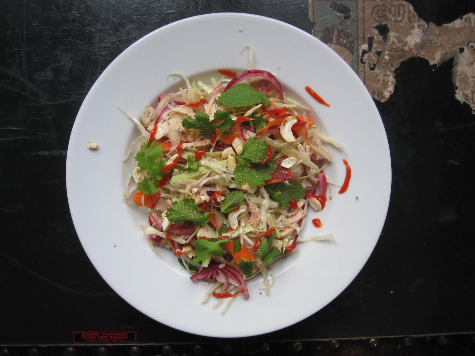 Goi Ga Bap Cai Approximatif {Salade de chou et poulet d'inspiration vietnamienne}