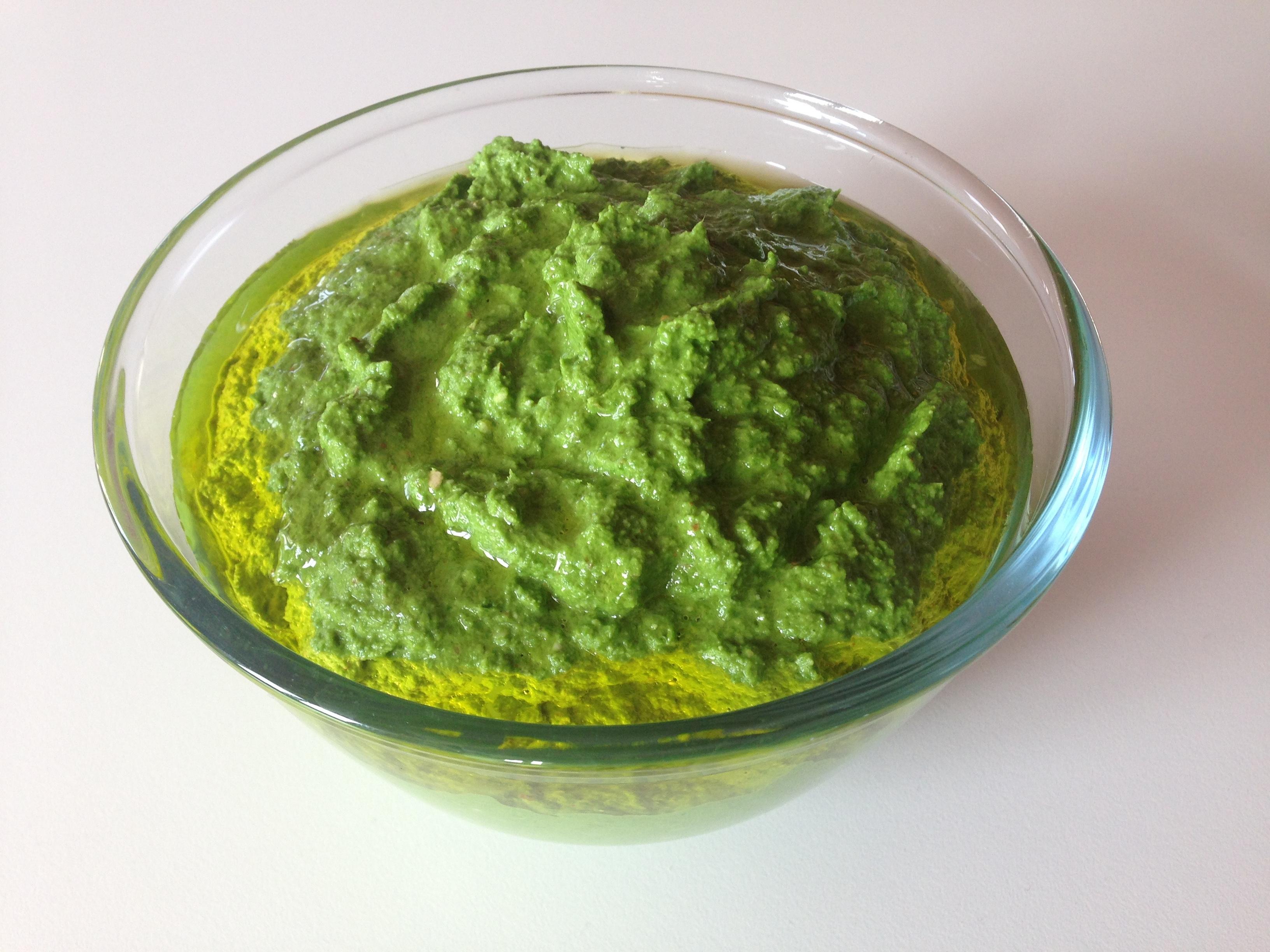 Pesto de fanes de navets (avec le vitamix)