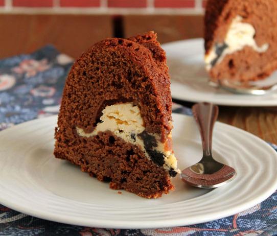 Κέικ σοκολάτας με γέμιση Oreo cheesecake