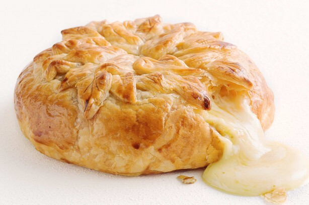Πίτα φοντί με τυρί καμαμπέρ