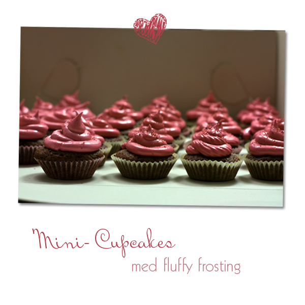 Mini cupcakes med fluffy frosting