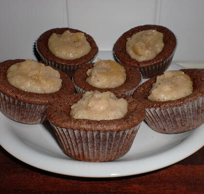 Kladdkakemuffins med apple curd topping