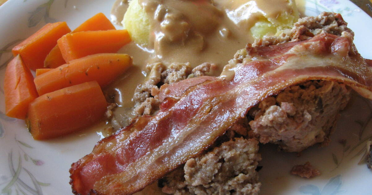 köttfärslimpa med bacon och fetaost