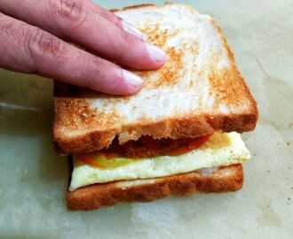 Anda-Tikki (Egg & Potato Patty) Sandwich