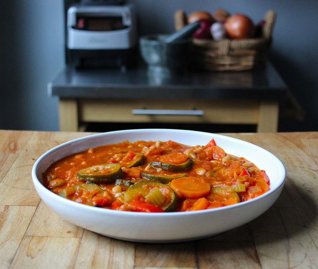 Vegetarian Stew with Peppers and Cannellini Beans - ThermoCook Recipe