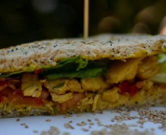 Sándwich de pollo al curry