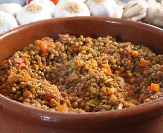 Pardina lentils with white wine, Serrano ham and pimentón