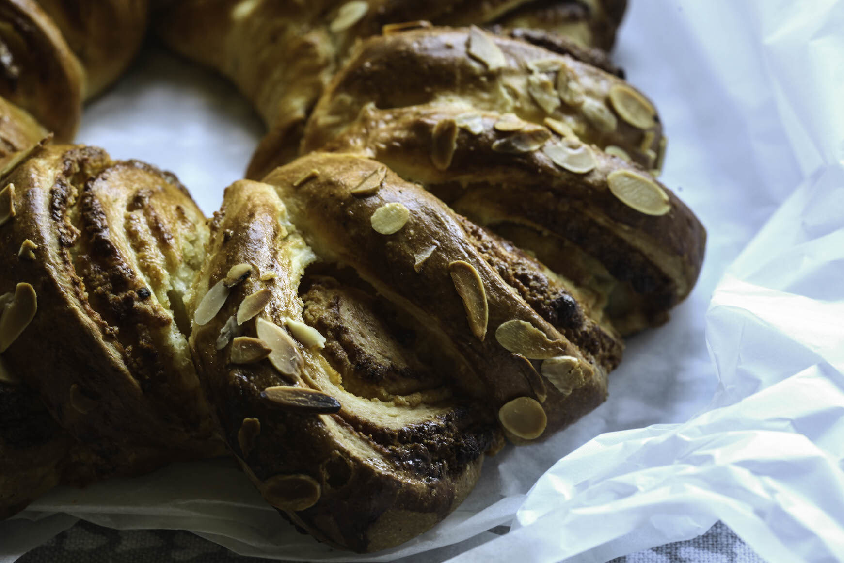 Swedish Orange Cardamom Bread Wreath – Vetekrans