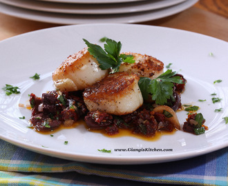 Seared Sea Scallops with Garlic, Sun Dried Tomatoes and Olive Compote