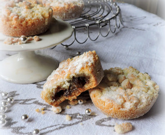 Crumble Topped Mince Pies