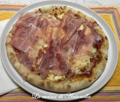 Pizza cotta in padella come in pizzeria