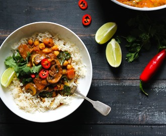 Mushroom Curry with Spinach & Chickpeas