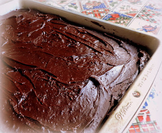 The English Kitchen: Dark & Delicious Chocolate Cake