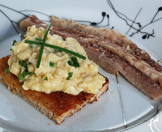 Smoked eel with scrambled eggs