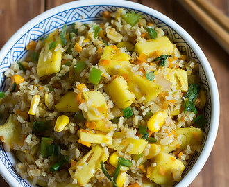 Pineapple Fried Rice – Vegan Thai Pineapple Fried Rice