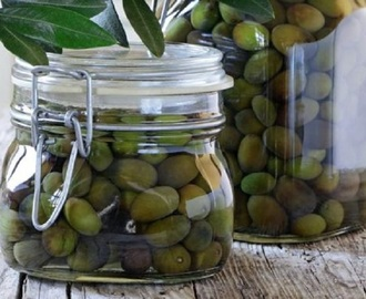 Come conservare le olive sotto sale e in salamoia